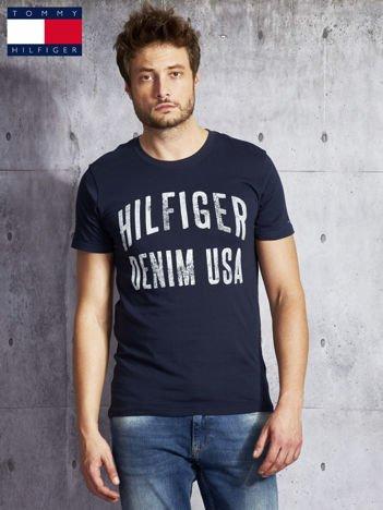 TOMMY HILFIGER Granatowy t-shirt męski z napisem
