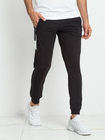 TOMMY LIFE Czarne dresowe spodnie męskie