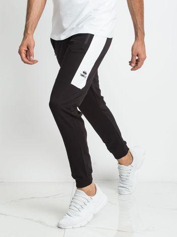 TOMMY LIFE Czarno-białe dresowe spodnie męskie