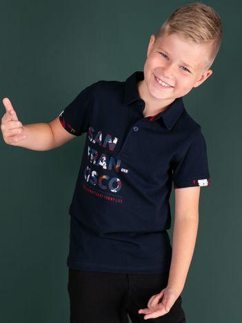 TOMMY LIFE Granatowa koszulka polo dla chłopca z nadrukiem
