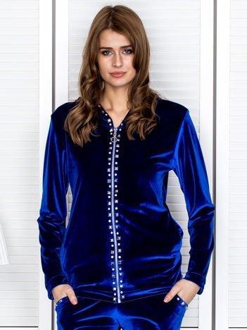 Welurowa bluza damska z diamencikami przy suwaku niebieska