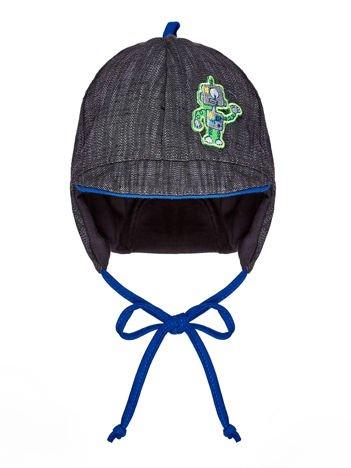 Wiązana czapka chłopięca z naszywką robota i daszkiem szaro-kobaltowa