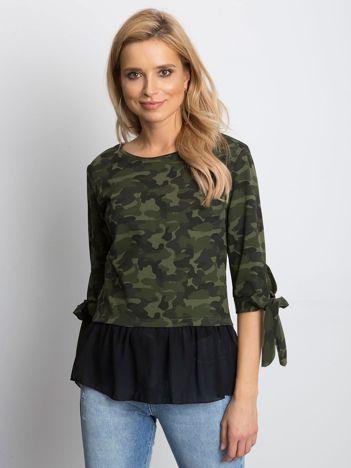 Zielona bluzka moro z koszulą