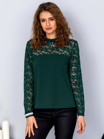 Zielona bluzka z koronkowymi rękawami