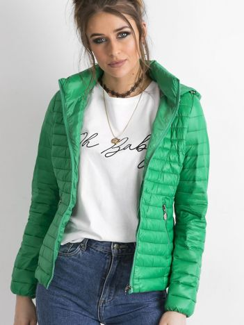 Zielona kurtka przejściowa z kapturem