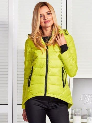 Zielona kurtka z odpinanym kapturem