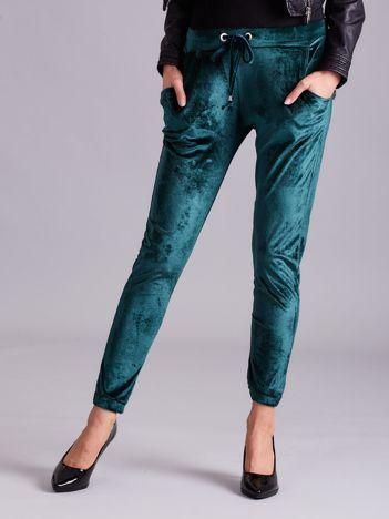 Zielone aksamitne spodnie
