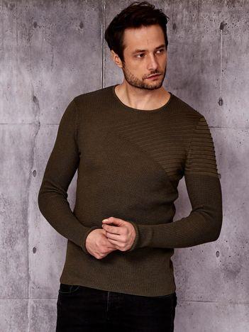 Zielony sweter męski z modułem w prążki