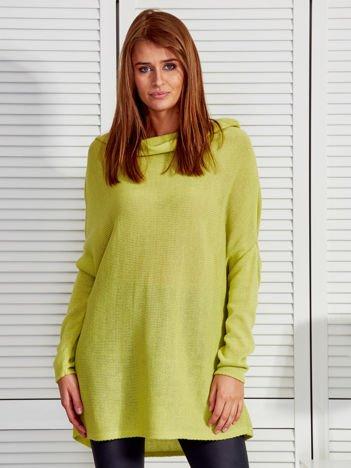 Zielony sweter o kroju oversize