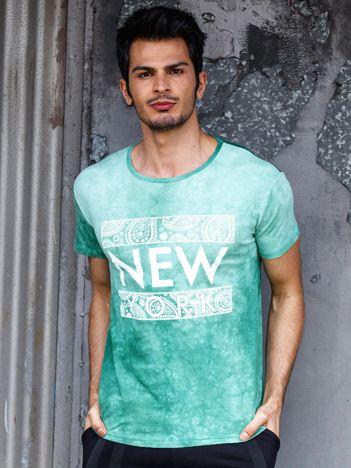 Zielony t-shirt męski z etnicznym motywem
