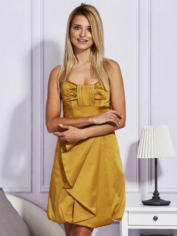 Złota sukienka z drapowaną falbaną