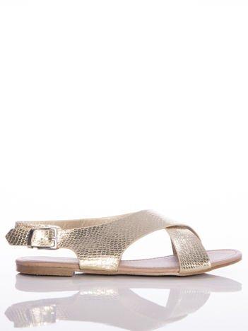 Złote sandały Sabatina z efektem wężowej skóry