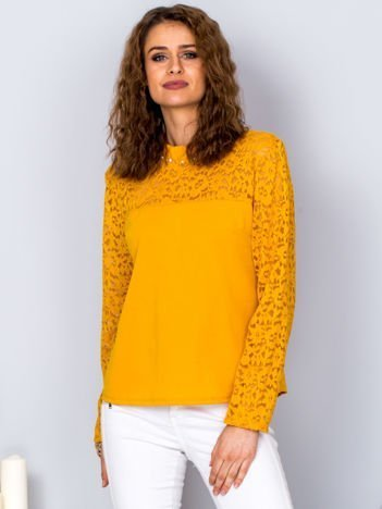 Żółta bluzka z koronkowymi rękawami