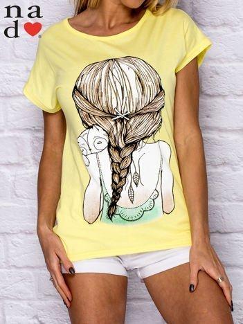 Żółty t-shirt z dziewczęcym nadrukiem