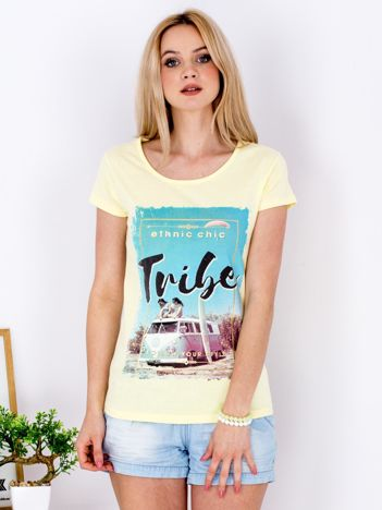 Żółty t-shirt z letnim nadrukiem