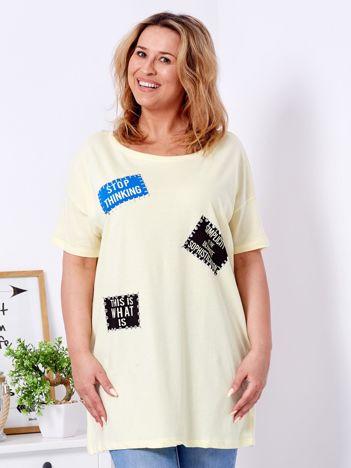 Żółty t-shirt z nadrukiem naszywek PLUS SIZE
