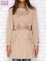Beżowy dwurzędowy płaszcz z wiązaniem