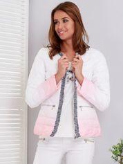 Biało-różowa pikowana kurtka ombre z ozdobnym wykończeniem