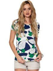 Biało-zielony t-shirt z roślinnymi motywami
