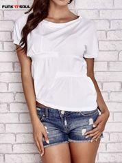 Biały asymetryczny t-shirt z zapięciem na plecach FUNK N SOUL