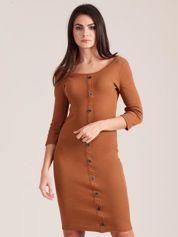 Brązowa dopasowana prążkowana sukienka