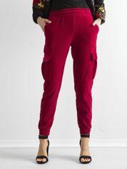 Ciemnoczerwone sztruksowe spodnie z kieszeniami cargo