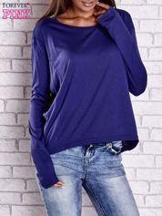 Ciemnoniebieska gładka bluzka z dłuższym tyłem
