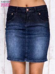 Ciemnoniebieska ołówkowa spódnica jeansowa