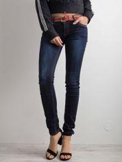 Ciemnoniebieskie damskie jeansy skinny