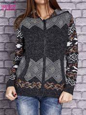 Ciemnoszary sweter long hair w azteckie motywy z kapturem