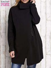 Czarna bluza z asymetrycznym suwakiem i wysokim kołnierzem