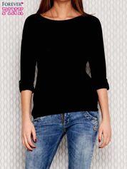 Czarna bluzka z podwijanymi rękawami