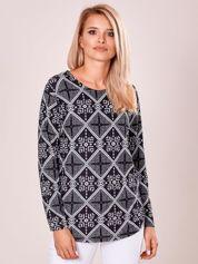 Czarna geometryczna bluzka