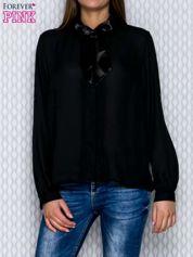 Czarna koszula mgiełka z plisami przy guzikach i wstążką