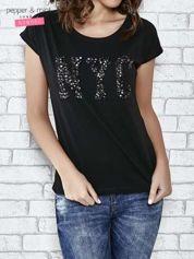 Czarny t-shirt z aplikacją NYC z cekinów