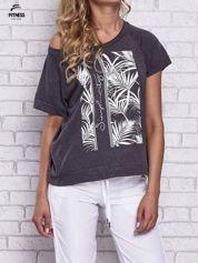 Czarny t-shirt z palmowym nadrukiem