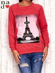 Czerwona bluza z motywem Wieży Eiffla