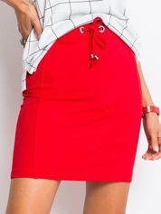 Czerwona spódnica Increasingly