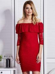 Czerwona sukienka z hiszpańskim dekoltem