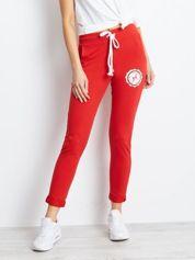 Czerwone damskie spodnie dresowe z troczkami