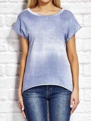 Denimowy t-shirt z koronkowymi wstawkami niebieski