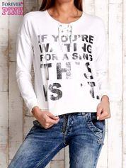 Ecru bluza ze srebrnym napisem