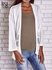 Ecru niezapinany sweter z ażurowym dołem i rękawami