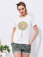 Ecru t-shirt z kolorowym nadrukiem i perełkami
