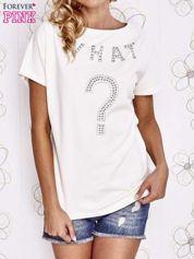 Ecru t-shirt z napisem i trójkątnym wycięciem na plecach