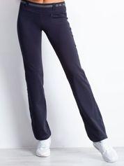 Grafitowe spodnie dresowe z aplikacją z dżetów