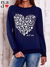 Granatowa bluza z nadrukiem serca i napisem JE T'AIME