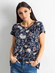 Granatowa bluzka w kwiatowe desenie