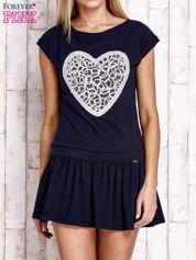 Granatowa dresowa sukienka tenisowa z aplikacją serca
