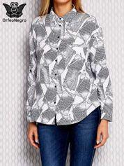 Granatowa wzorzysta koszula z podwijanymi rękawami